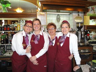 Staff Pasticceria Peggi negozio via Bicocchi Follonica