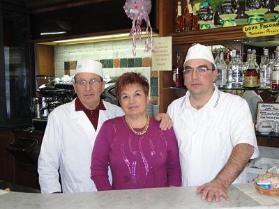 Famiglia Peggi proprietari della Pasticceria Peggi Follonica
